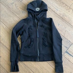 Lululemon black zip up hoodie size 6